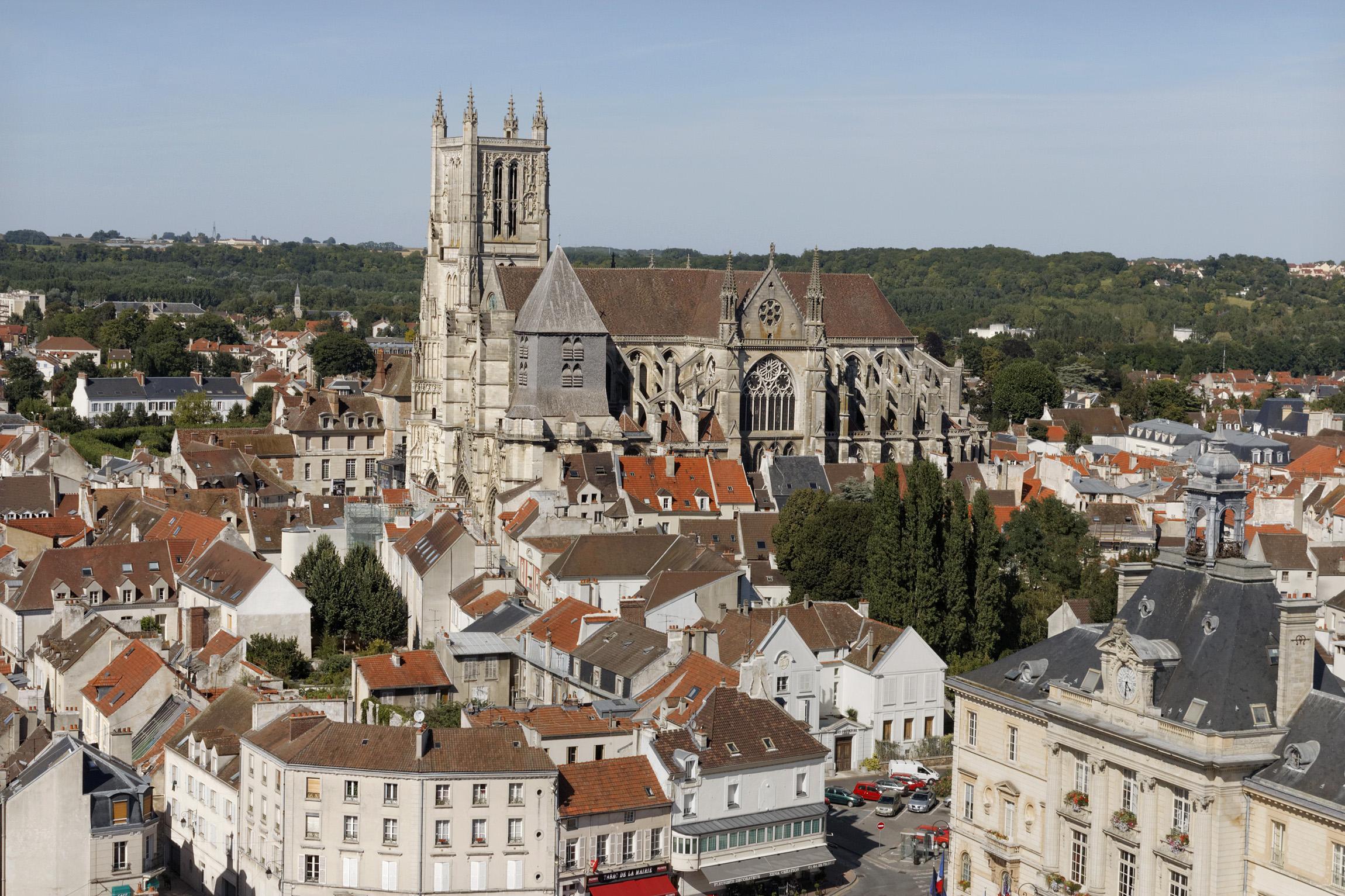 Vue panoramique sur la cathédrale, depuis le sud-ouest.