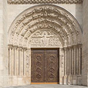 Circuit thématique sur les portails sculptés en Île-de-France