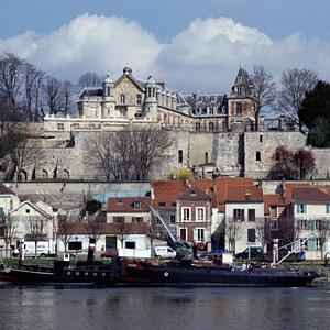Le château Gévelot à Conflans-Sainte-Honorine